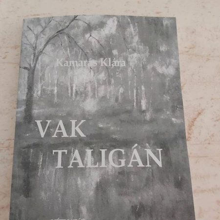 Tagjaink által írt kötetek